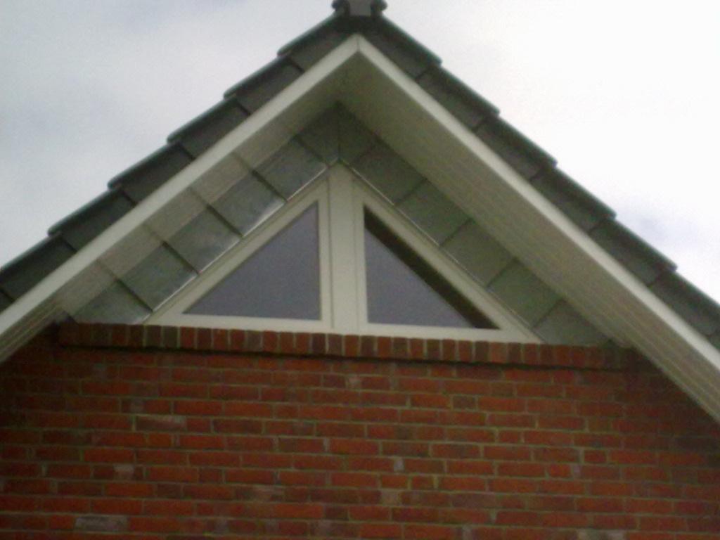 wohnhaus dachausbau dachfenster gauben giebel aus zink stehfalz